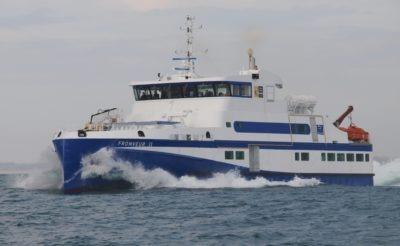 Navire mixte 365 passagers - fret 25 t