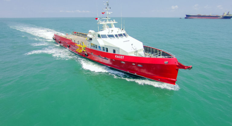 Navire de transfert - 80 personnes - 226 t