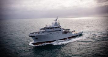 Batiment Multimissions Essais en mer 20151125 1 (c) DCNS