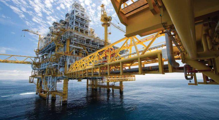PIRIOU-Chantier-Naval-Produits-Navire-soutien-petrolier