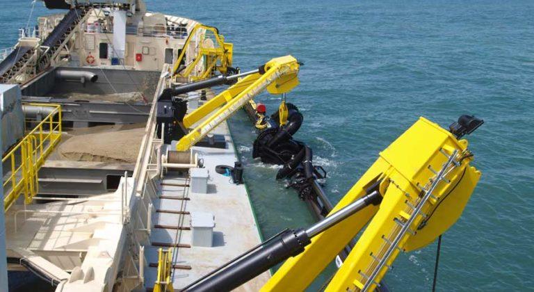 PIRIOU-Chantier-Naval-Produits-navires-dragage-Shipyard-Products_edredging