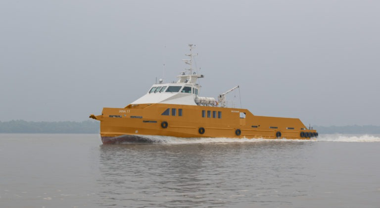 Navire de transfert - 80 personnes - 50 t