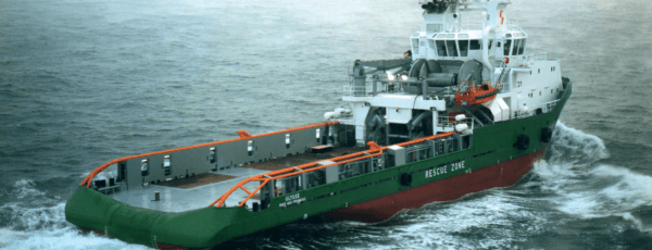 Livraison de l'Ulysse, navire ravitailleur de plateformes pétrolières